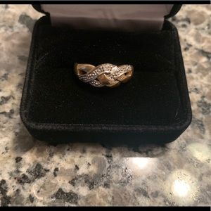Jewelry - 10k gold two tone ring